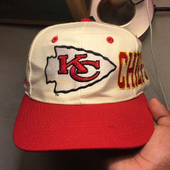 5777fc18a Vintage APEX ONE Kansas City Chiefs Hat. M 5b8f0d081b16dbcb4dda596c